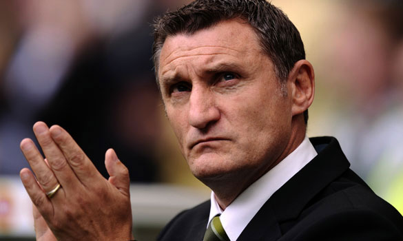 Mowbray_applauds